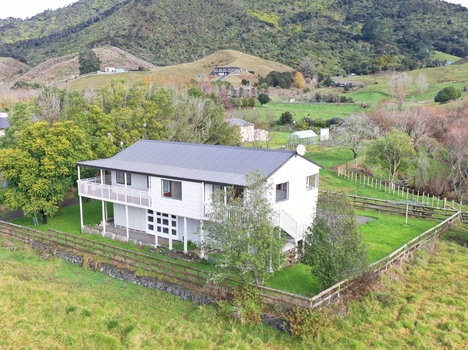 963 Hakarimata Road Huntly sold property image