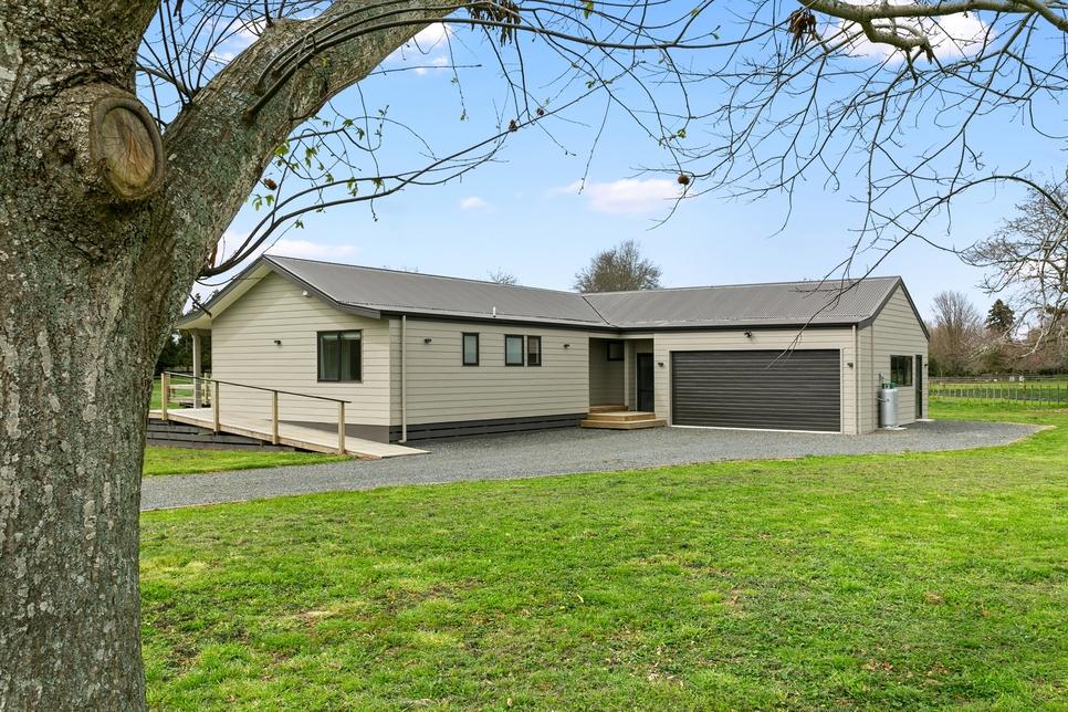 14 Pukerimu Lane Cambridge featured property image