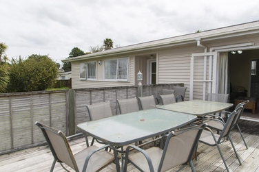 6 McQuarrie Ave Wattle Downsproperty carousel image