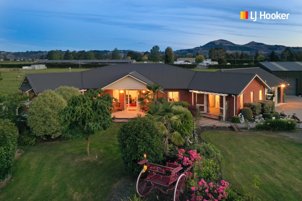336 Gordon Road Mosgiel featured property image