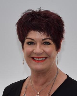 Elaine Schuck - profile image