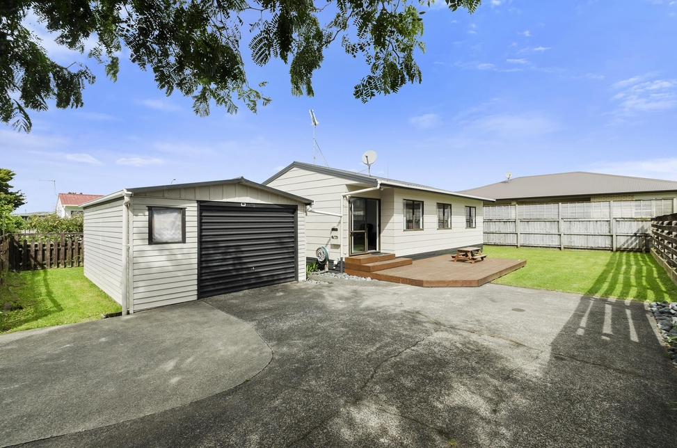 4B Russell Ave Pukekoheproperty slider image