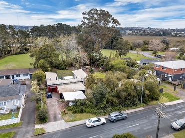 56 & 58 Gloria Avenue Te Atatu Peninsulaproperty carousel image