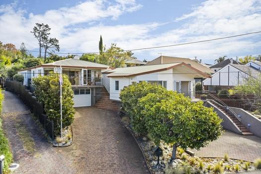 42 Glenfern Road Mellons Bay sold property image