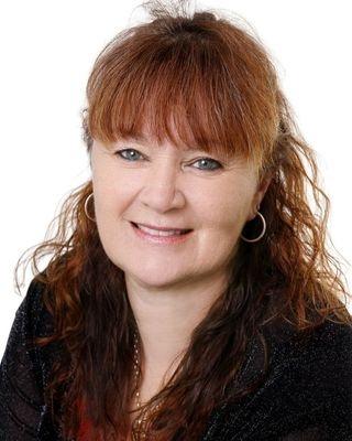 Paula Cox - profile image