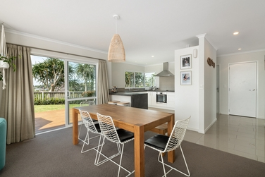 109A Kaitemako Road Welcome Bayproperty carousel image