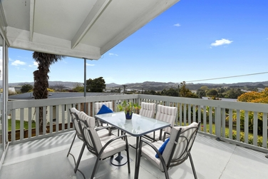 57 Sherwood Road Onerahiproperty carousel image