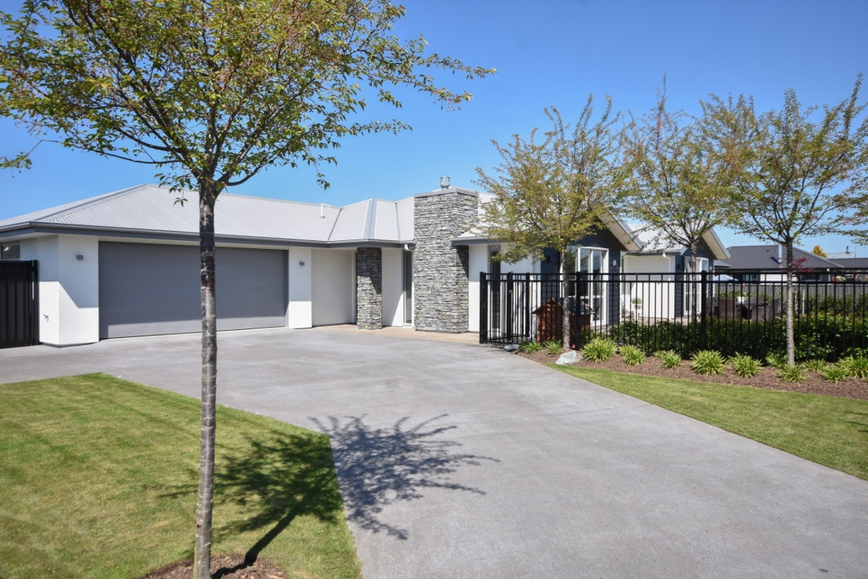 4 Harley Lane Mosgielproperty slider image