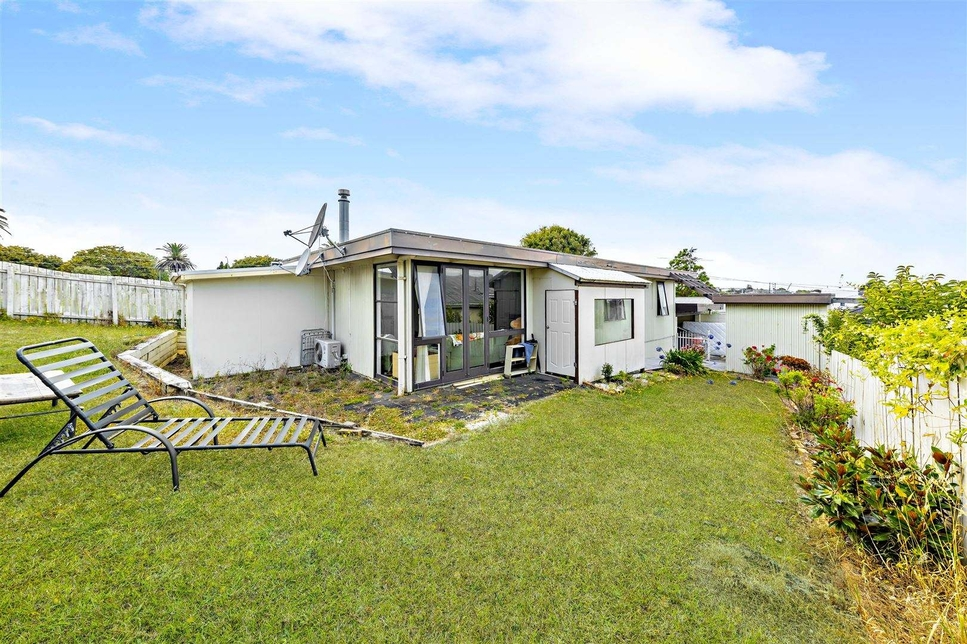 2/14 Kenderdine Road Papatoetoeproperty slider image
