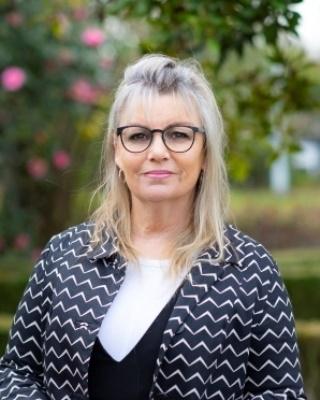 Andrea Clegg - profile image