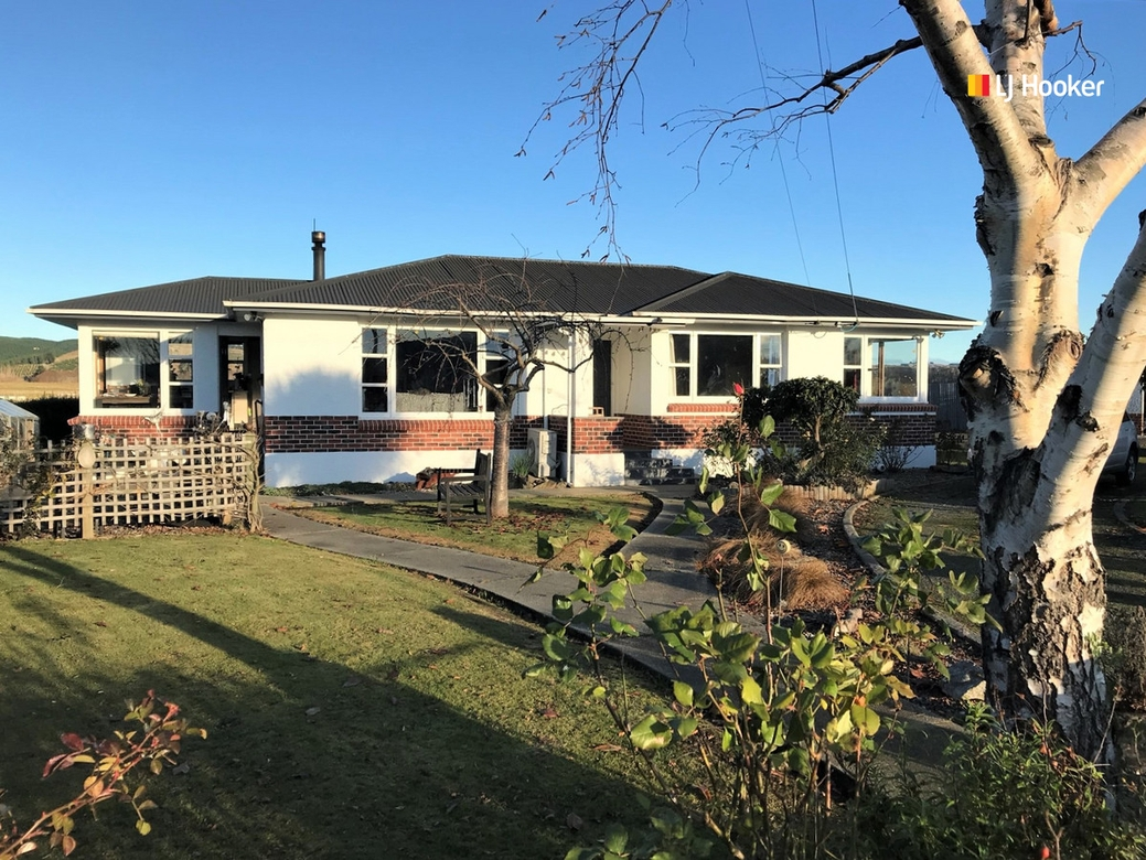 695 Centre Road, Momona Outram property image