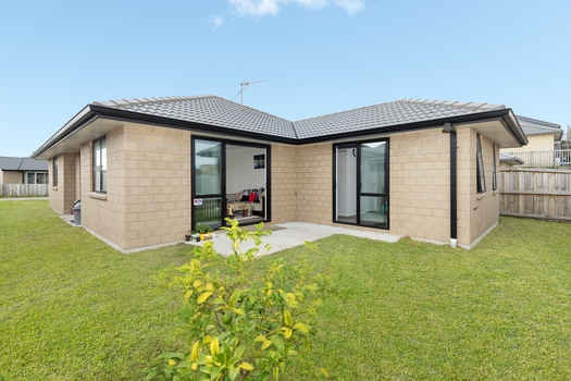 7 Harakeke Way Papamoa Beach sold property image