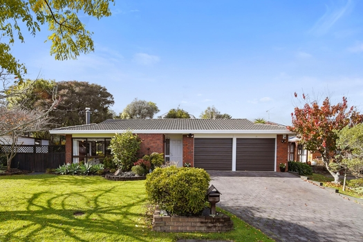 13 Voltaire Court Botany Downs sold property image