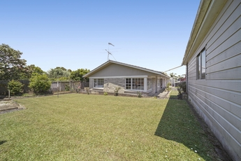 2/52 Galsworthy Place Bucklands Beach property image