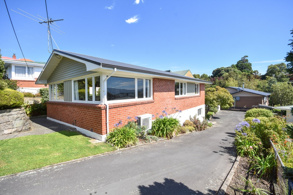 112 Easther Crescent Kewproperty slider image