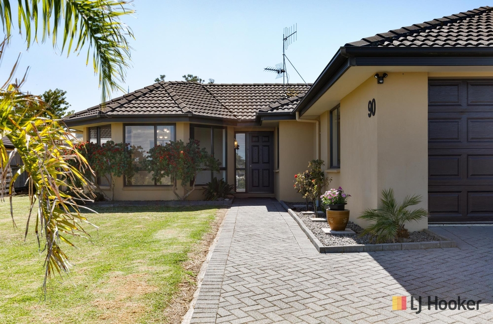 90 Koutunui Road Athenree featured property image