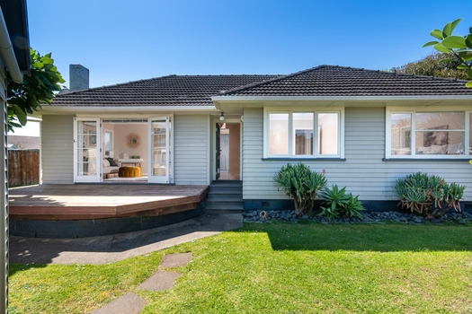 47 Hereford Street Te Atatu Peninsula sold property image