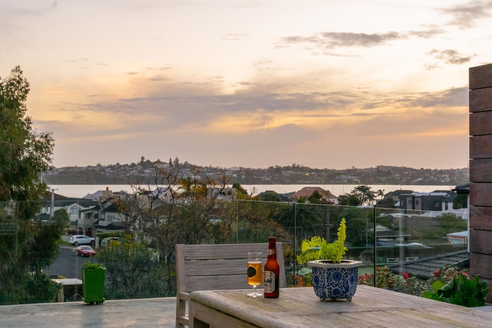 2/18 Devon Road Bucklands Beach featured property image