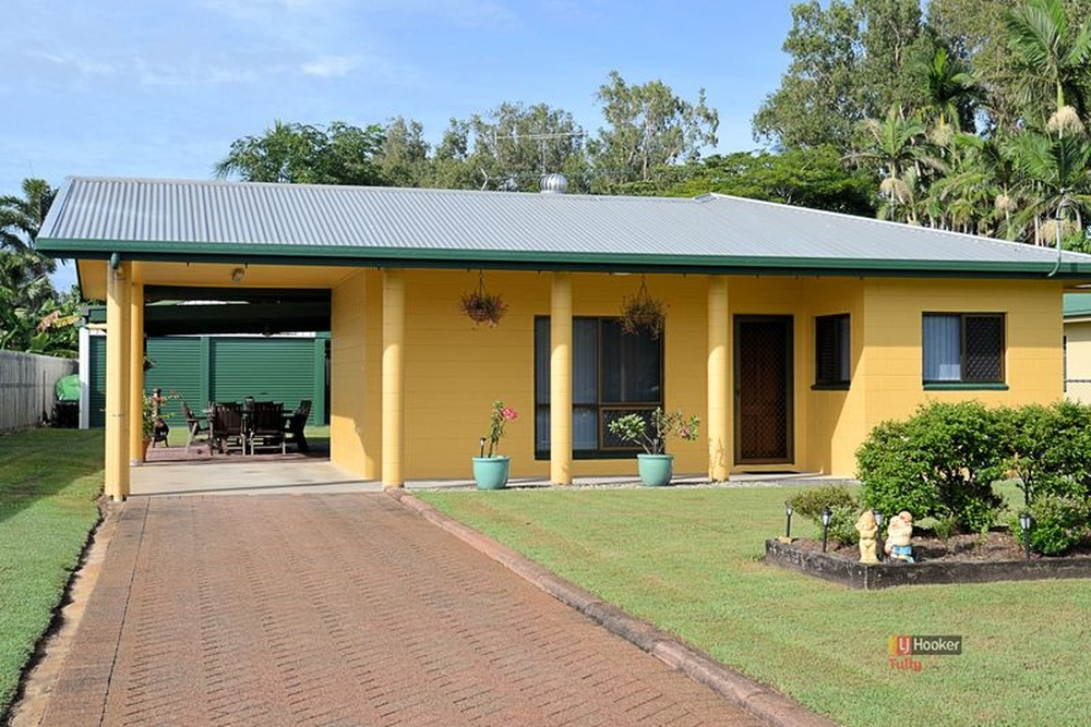 1 Acacia Close Tully Heads, QLD 4854