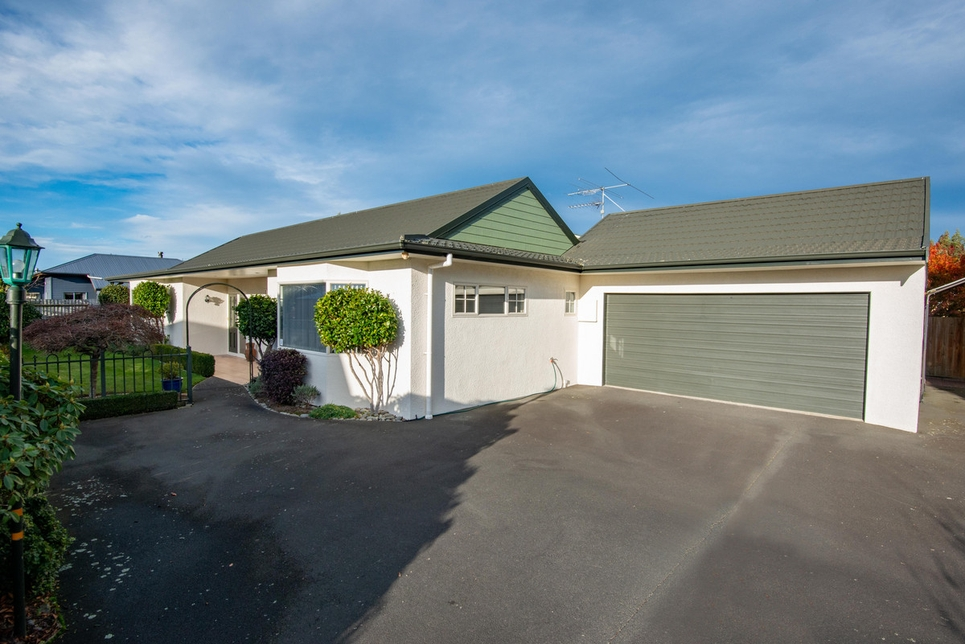 7 Carlyle Road Mosgielproperty slider image