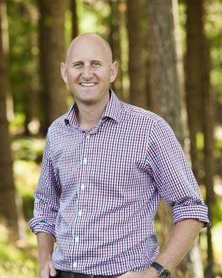 Warwick Searle - profile image