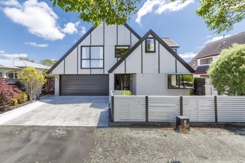 8a Moerangi Street West End property image
