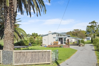 1335 East Coast Road Kaiaua property image