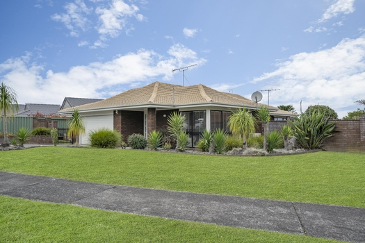 10 Pinewood Grove Botany Downs sold property image