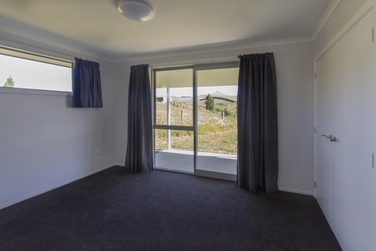 36 Finlays Road Enfieldproperty carousel image