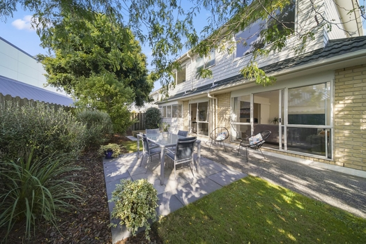 2/17 Headcorn Place Botany Downs sold property image