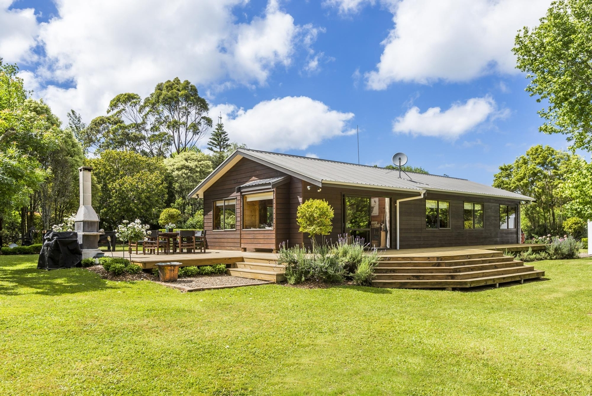 1074 Peak Road Waimaukuproperty slider image