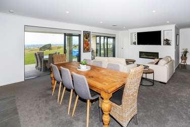23 Bird Rd Waiukuproperty carousel image