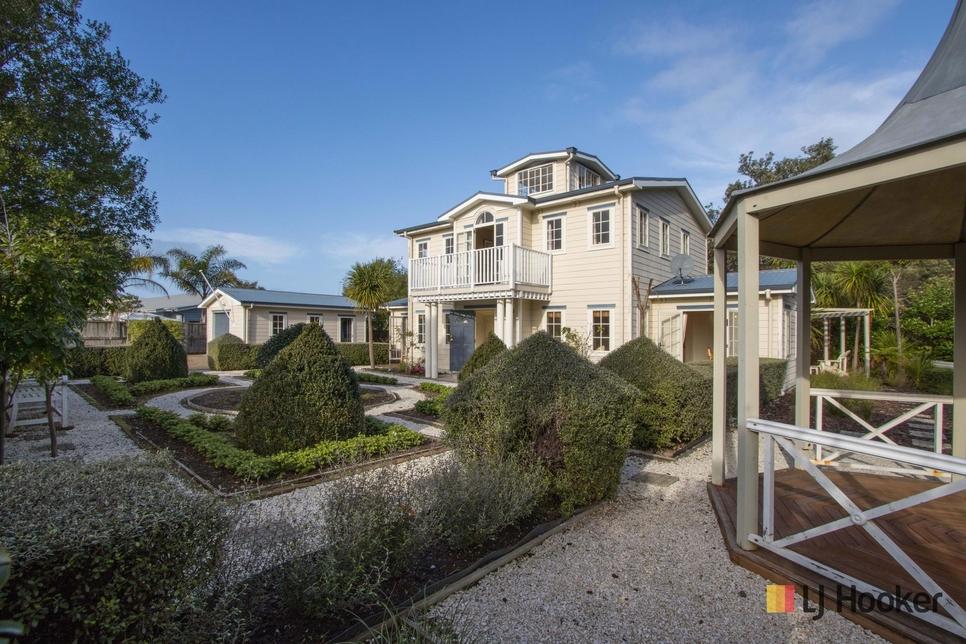 72 Bowentown Boulevard Waihi Beach featured property image