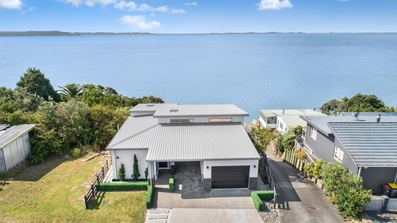 16 Crispe Road Clarks Beach property image