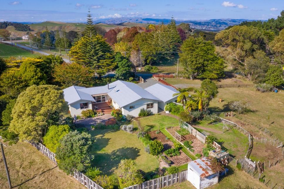 1154 Te Akau South Rd Raglan featured property image