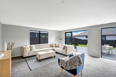 32 Owhiro Avenue Mosgielproperty carousel image