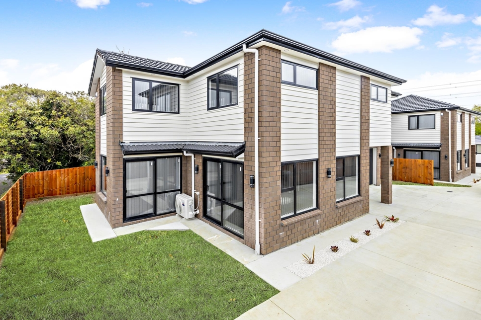 2/109 Gray Avenue Mangere East featured property image
