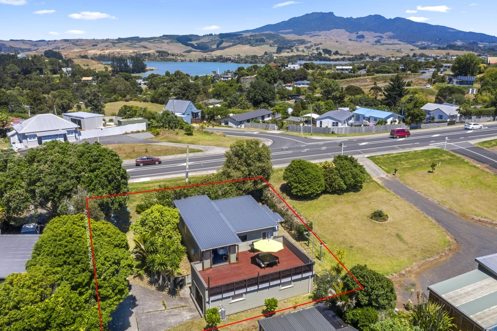 14 Main Road Raglan featured property image