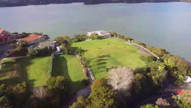 1 Seaview Road Paihiaproperty carousel image