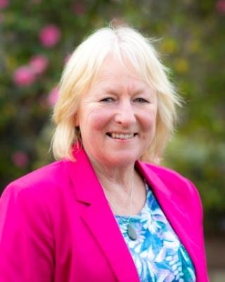Anne Weschenfelder - profile image