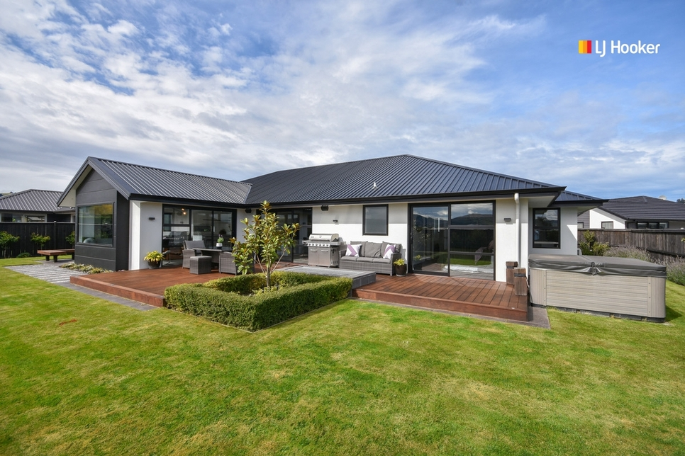10 Kinloch Place Mosgielproperty slider image