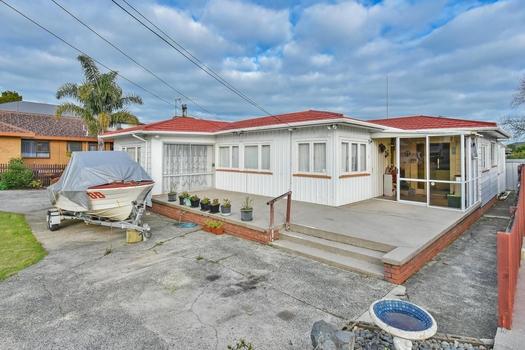 9 Menary Street Papakura sold property image