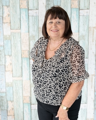 Lynn Goldsmith AREINZ - profile image